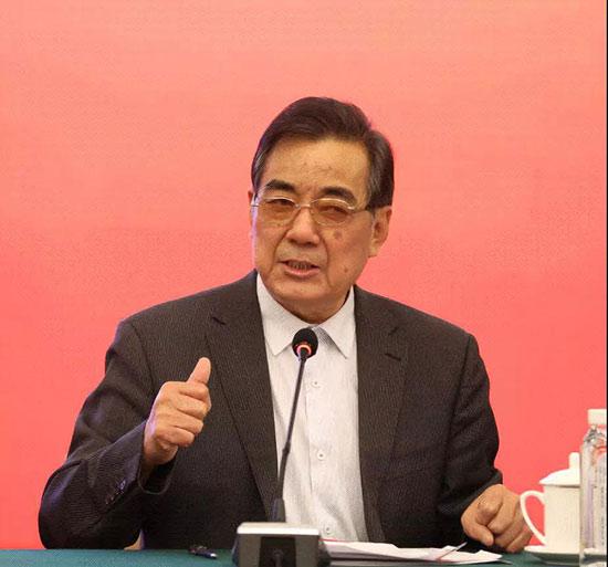 原中国化工部副部长李勇武讲话。
