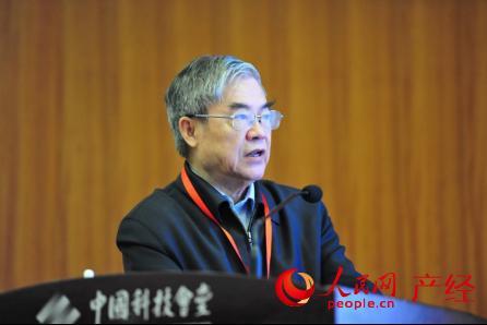 """邬贺铨院士:""""互联网+""""发展需要因企施策 完善创新环境"""