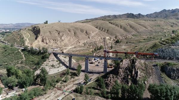 全国最大规模铁路既有线换梁施工完成